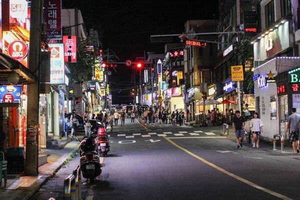 济州 如果可以,我希望在济州岛遇见你  逛街:像当地人一样逛街,首选到