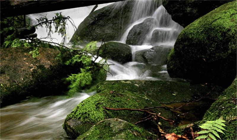 本溪汤沟绿石谷风景区