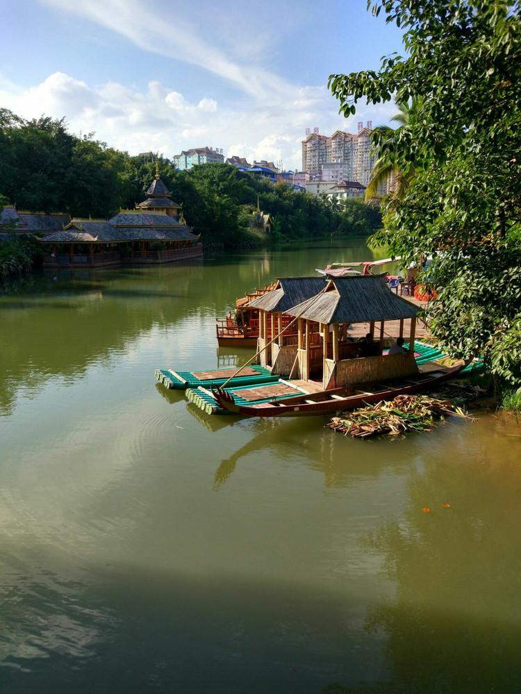 西双版纳景洪的曼听公园