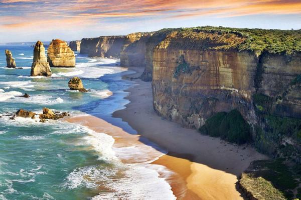 澳大利亚东海岸全景+凯恩斯大堡礁+墨尔本+悉尼10日游+升级2晚五钻+19人品质纯玩跟团游