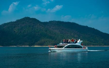 千岛湖进贤湾休闲观光豪华游艇