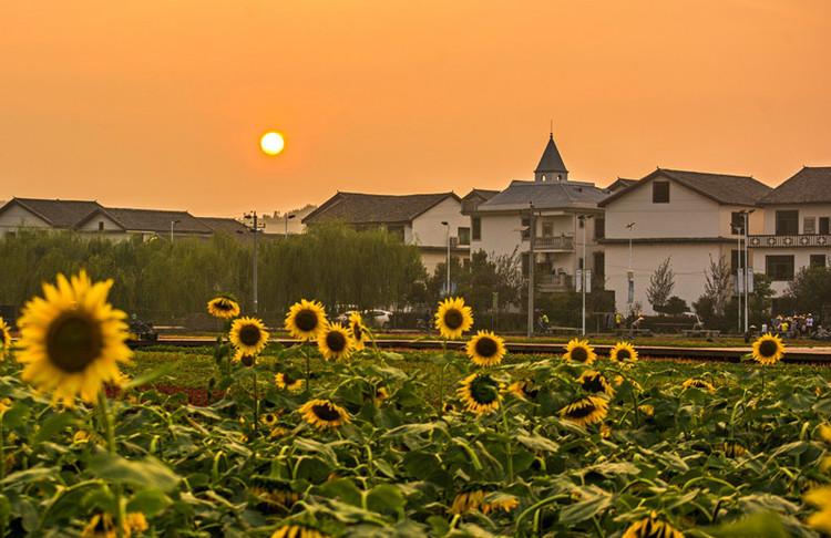 郴州 行摄郴州北湖,迷失在如画风景和美食里  三合村 日落时,沿着古村