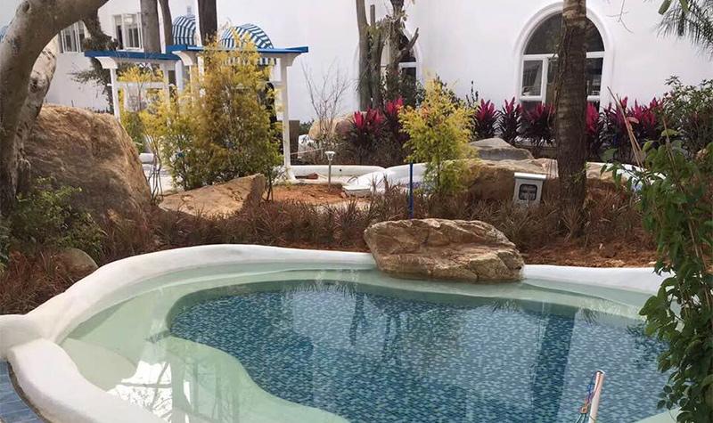 具有浓郁的南欧地中海风情,为温泉小镇带来了 一股清新的休闲气息.