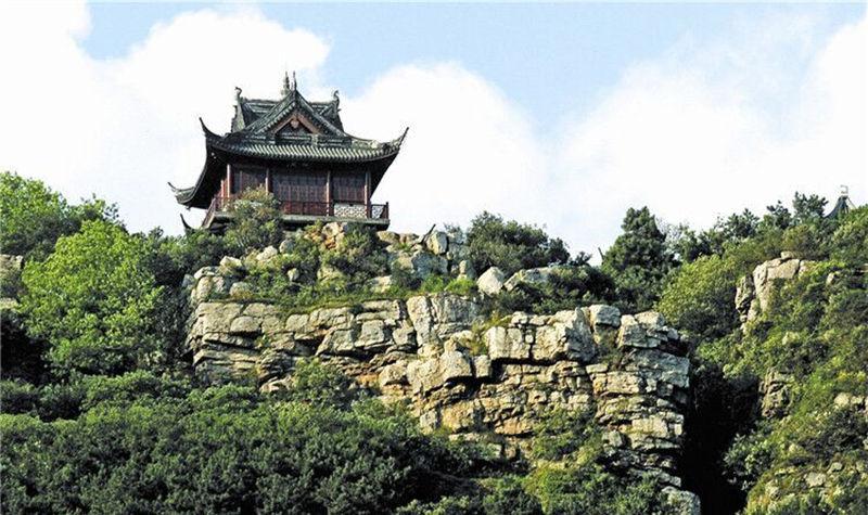景区地址: 江苏省苏州市常熟市虞山南路宝岩生态园东门.