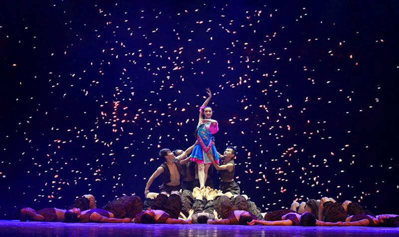 贵阳大剧院—《多彩贵州风》演出