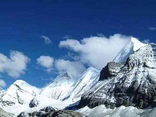 云南藏区雪山集锦寻找香格里拉的灵魂,揭开藏在雪山中的秘密!