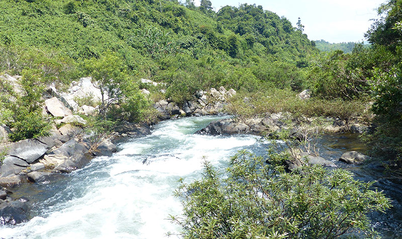 海南 琼中 琼中峡漂流 放大地图  琼中峡漂流位于海南省琼中县和平镇