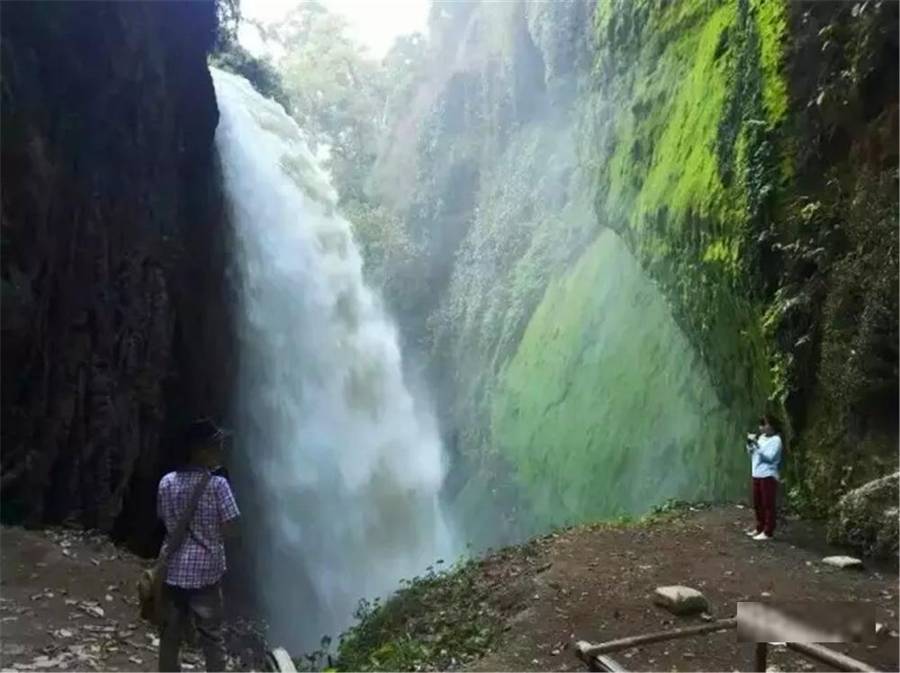 在印尼东爪哇小镇,看布罗莫活火山吞云吐雾 - 达人J - 达人J · 365乐游日记