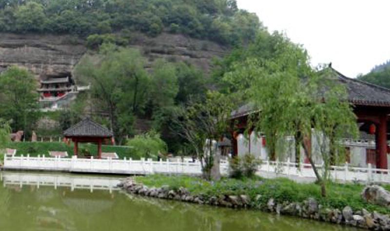 南漳水镜庄风景区
