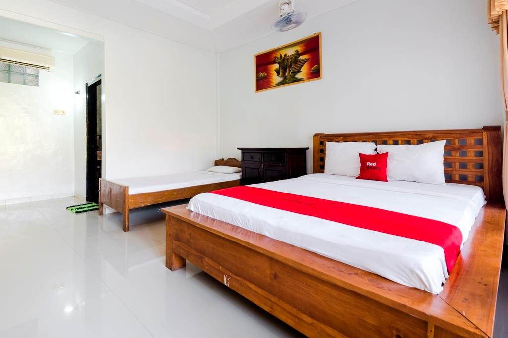 卧室红门装修效果图片