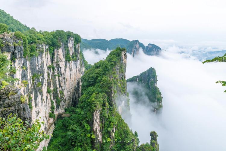 景阳画廊景区,黄鹤桥峰林峡谷景区,小西湖国际度假中心和建始直立人