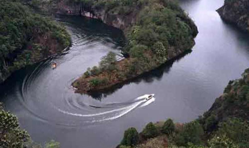 石龙溪漂流