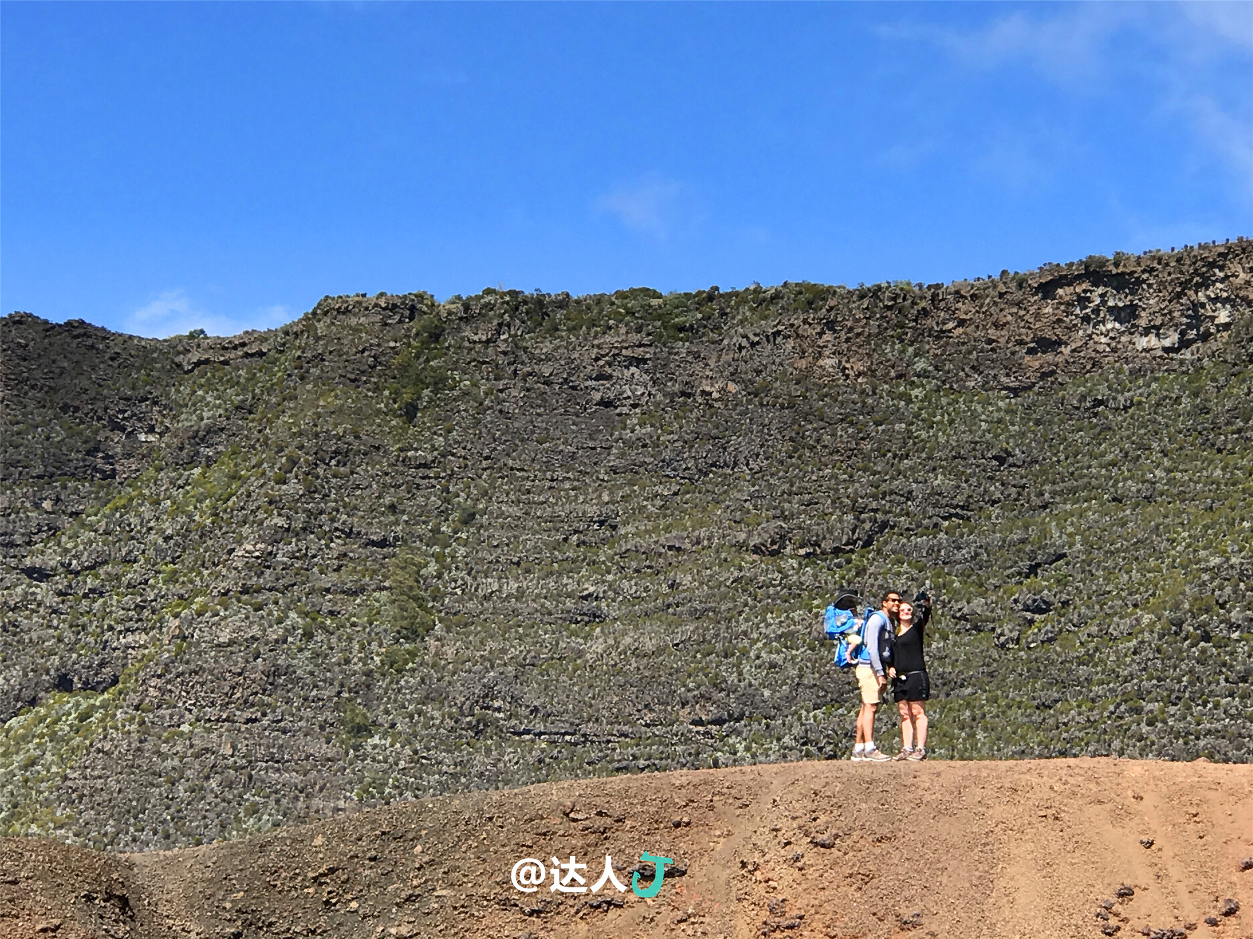 小天在留尼汪岛干啥呢,登富尔奈斯活火山? - 达人J - 达人J · 365乐游日记