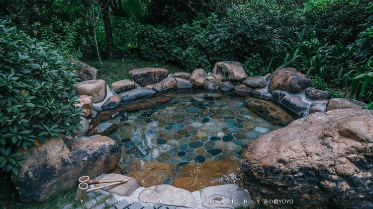 福建漳州的夏日度假之旅  半月山温泉园区精心打造了沿溪区,云顶区