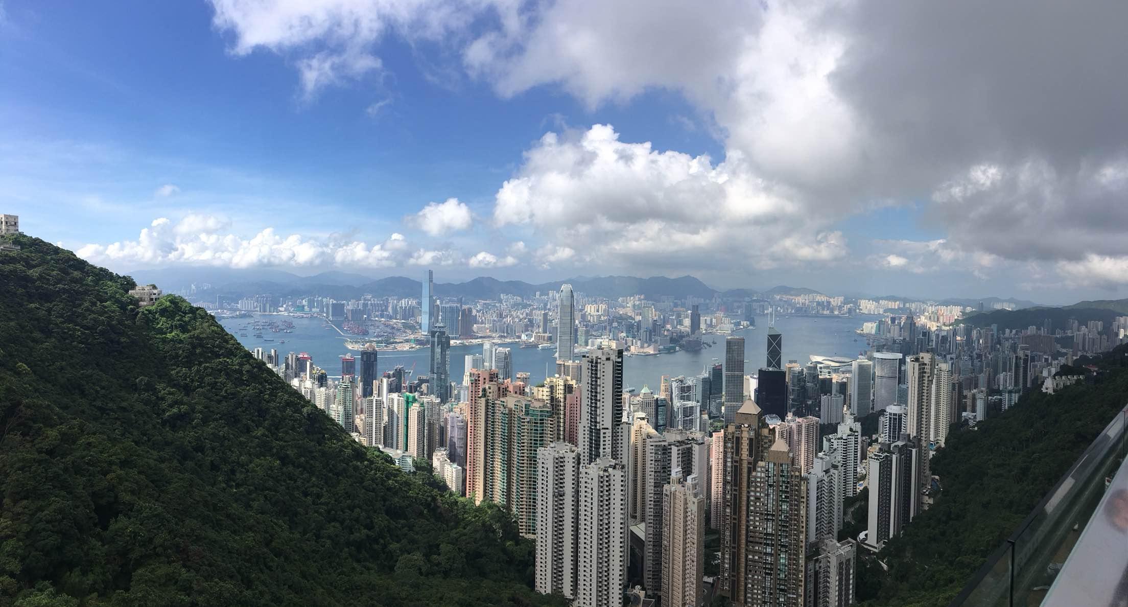 太平山山頂風景很美,香港一覽無余.杜莎夫人蠟像館也很有意思.