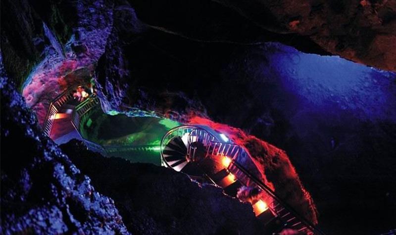 灵山风水洞位于杭州市西湖区周浦乡云泉山中,距西湖仅18公里,离宋城