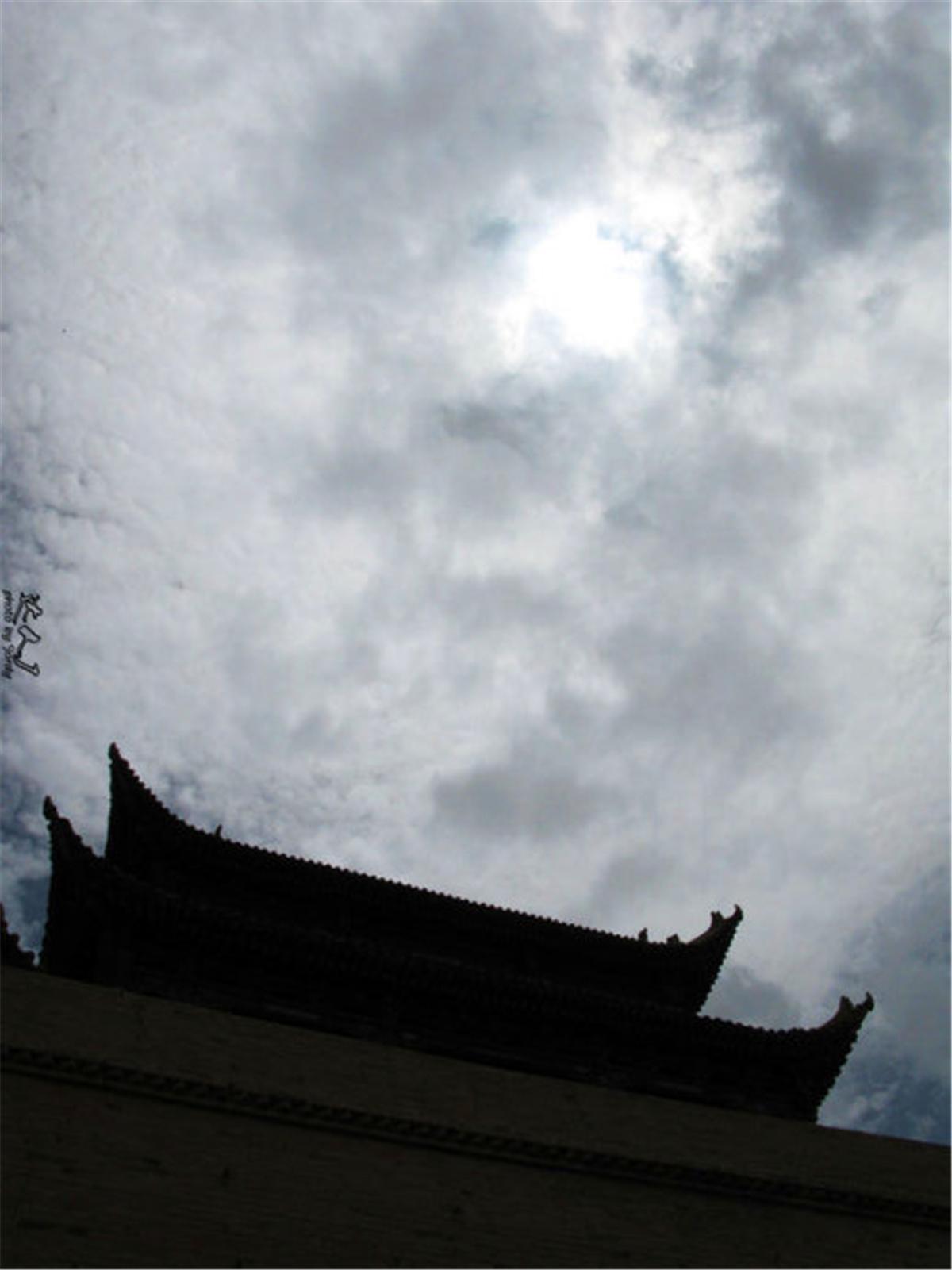 08我眼前的长城,跟这里的天空如出一辙.jpg