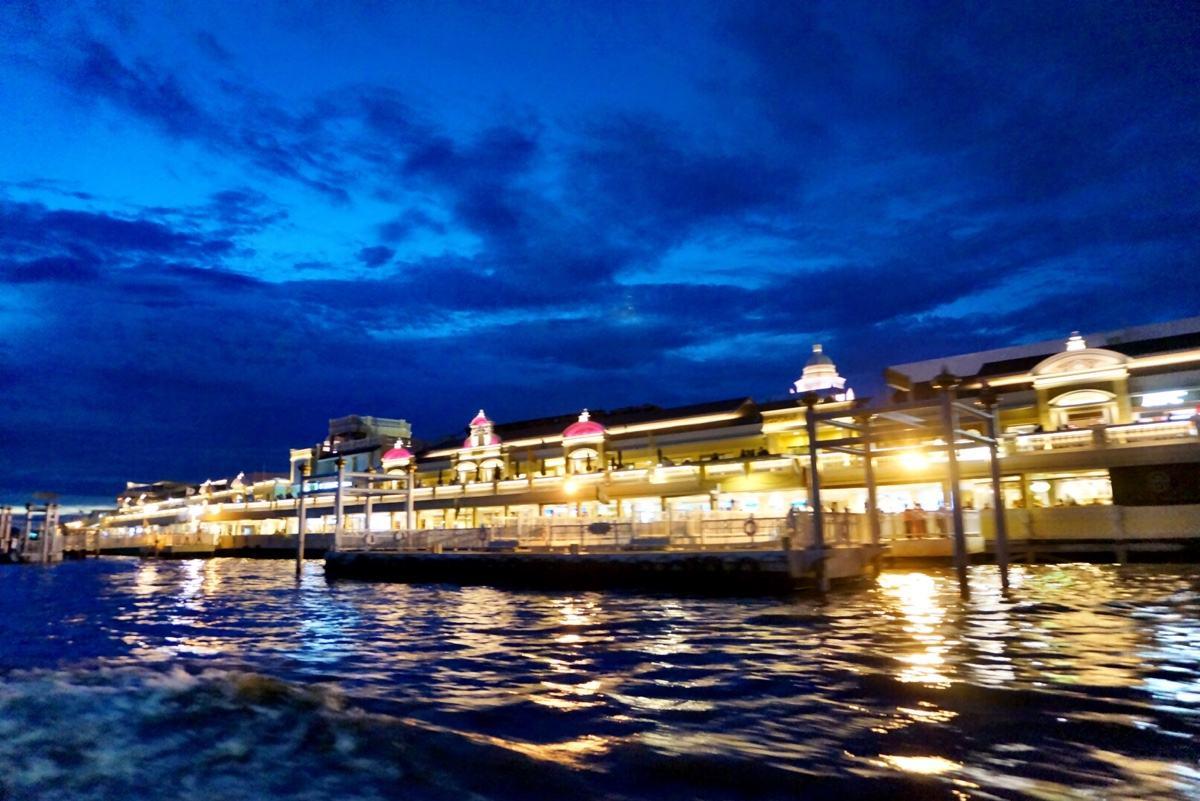 【傾聽夜晚的曼谷】白玉蘭號/白蘭花號 夜游湄南河+自助晚餐+人妖表演