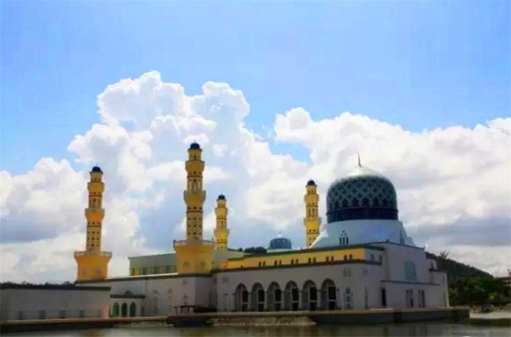 看东马水上清真寺,再游沙巴大学图片