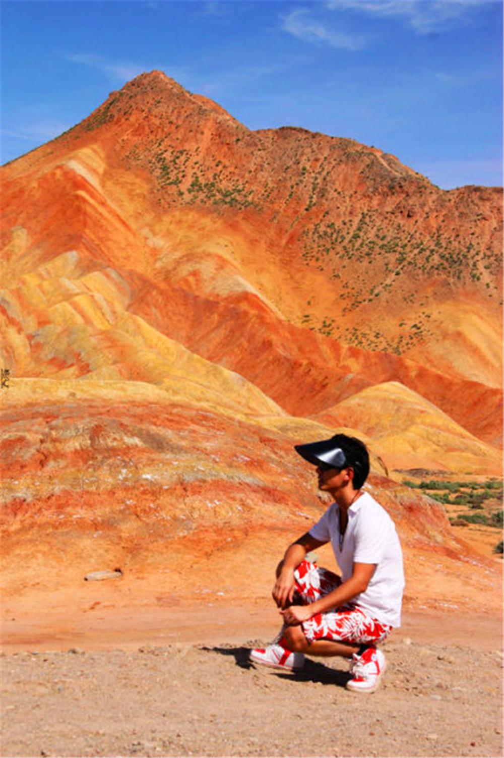 七彩的山峦冲击着我的视觉,那是西部特有的荒凉和壮美 - 达人J - 达人J · 365乐游日记