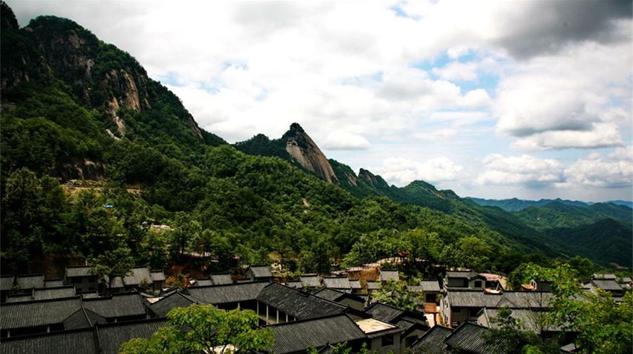 中原二龙山风景区
