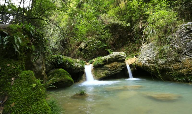 雁山瀑布景区