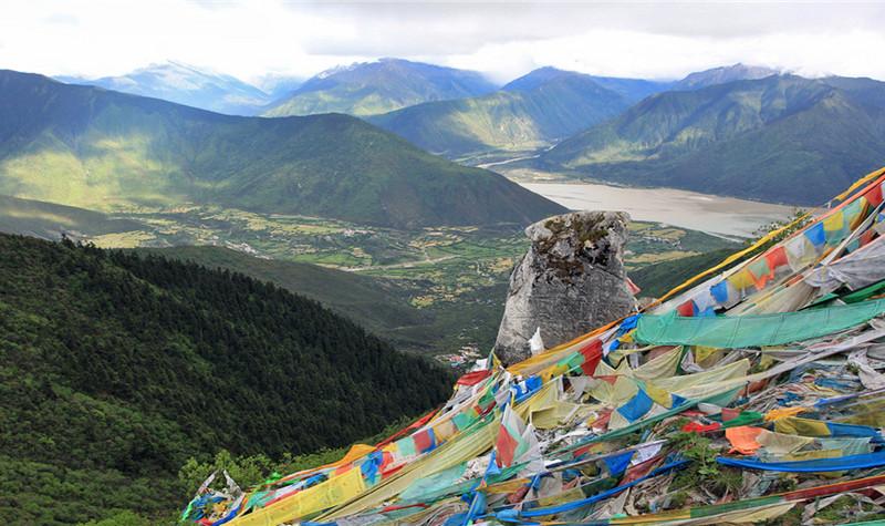 暑假南宁到西藏火车专列 西藏大型空调品质旅游专列15日游