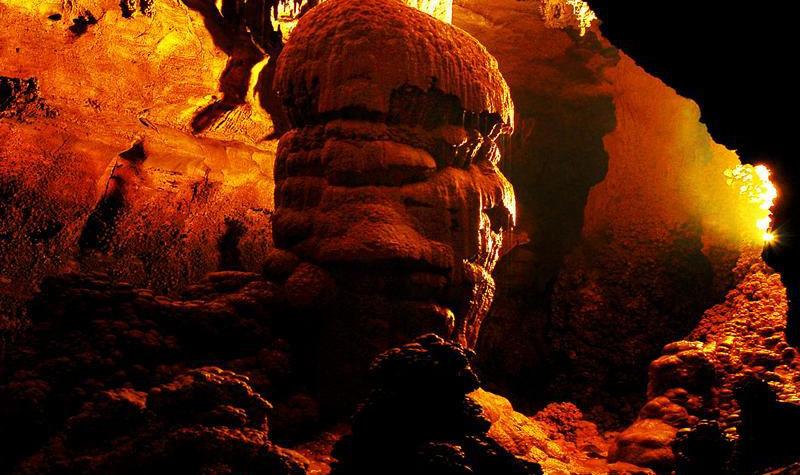 十二背后·地下裂缝景区
