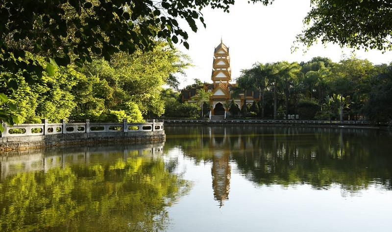勐巴娜西珍奇园