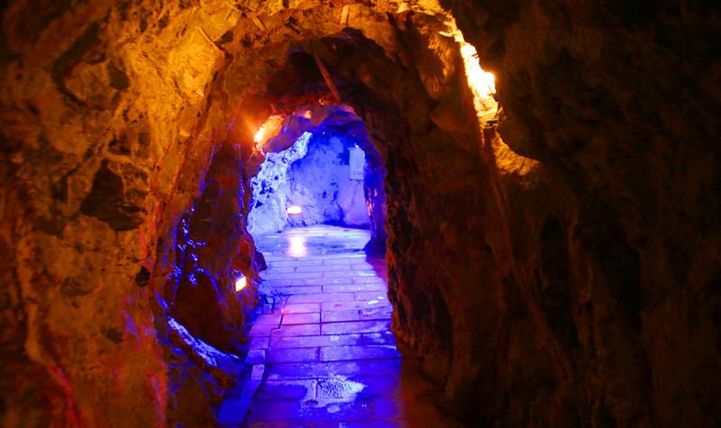 寿山石古矿洞景区