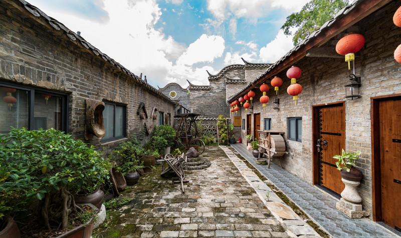 青瓦房古村落