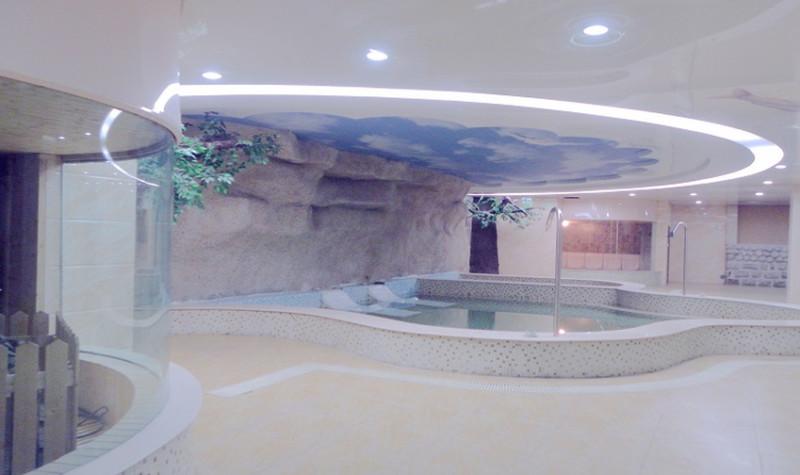 莫尼山泉小镇温泉游泳馆