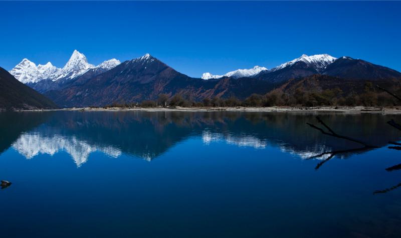西藏林芝巴松措景区