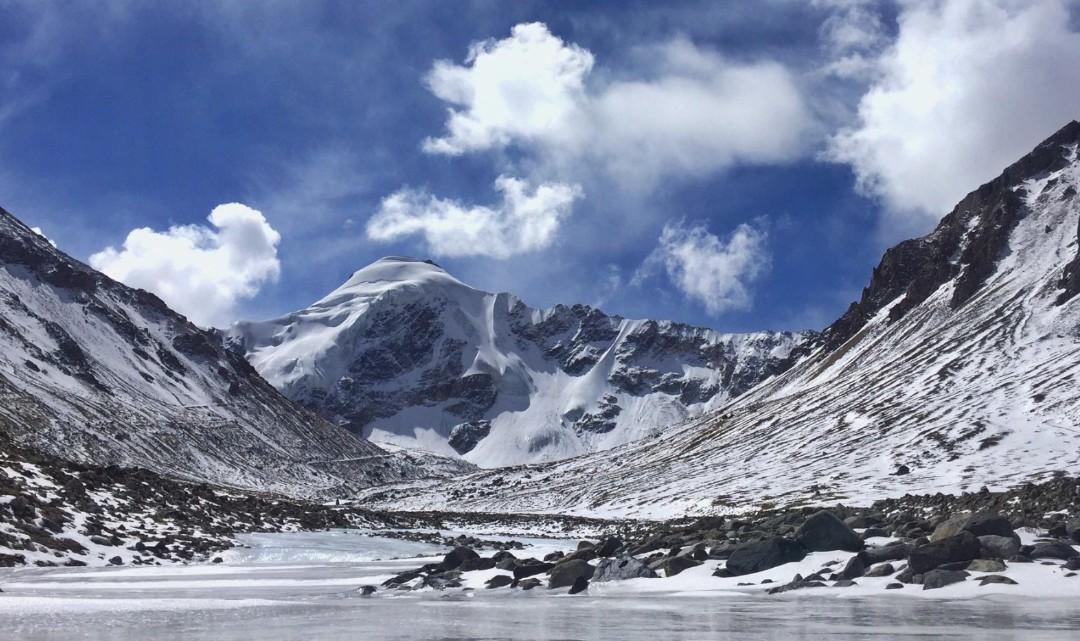 廓琼岗日冰川景区
