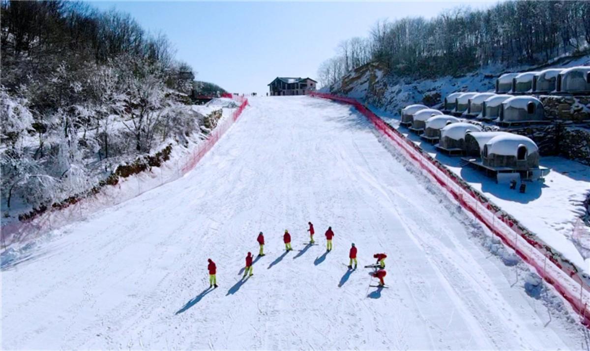 襄阳横冲国际滑雪场
