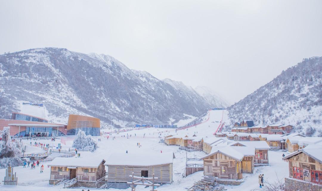 鹧鸪山滑雪场