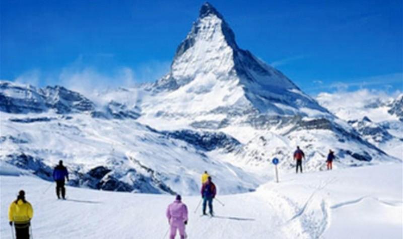 蓝天滑雪场