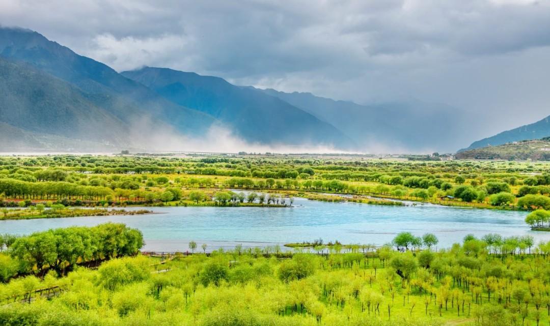 雅尼湿地公园(原苯日神山)