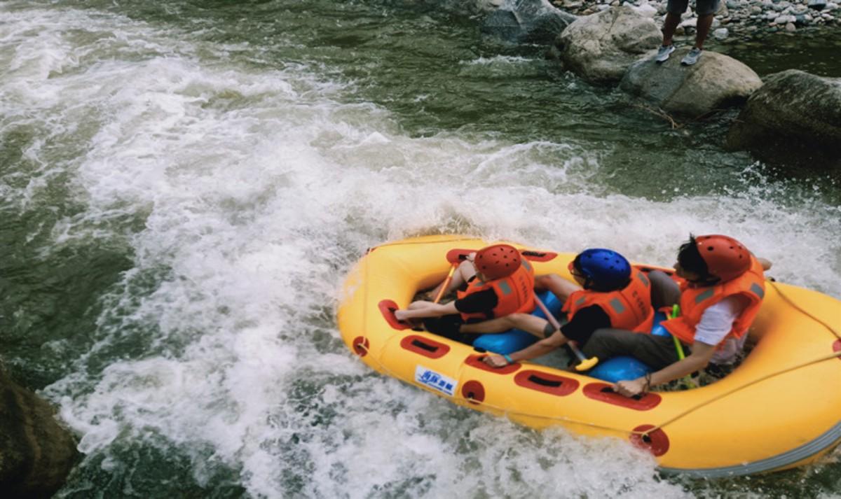 柞水峡谷第一漂