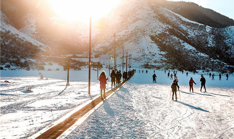 白云国际滑雪场度假区